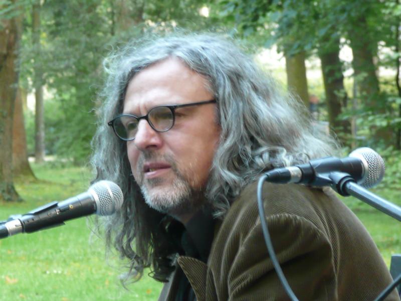 """Ulrich Ziegers Roman """"Durchzug eines Regenbandes"""""""